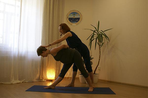 Йога при диастазе живота